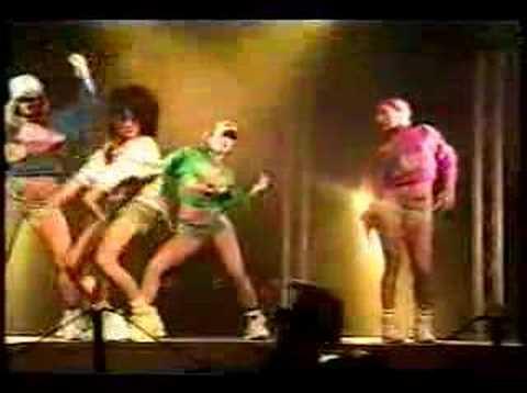 Девушки из Японии - танец reggae