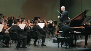 Concierto de Luis Carlos Juárez al piano, con OFS y George Hanson.