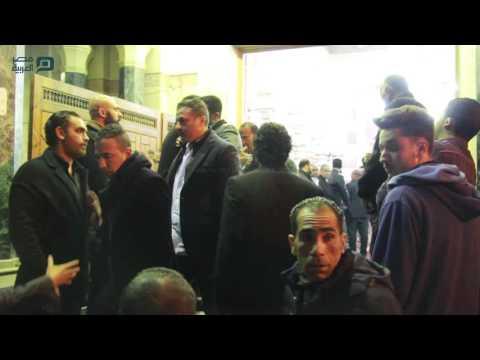 مصر العربية | عمرو يوسف وحسن الرداد ومحمد لطفي في عزاء والد أمير كراره
