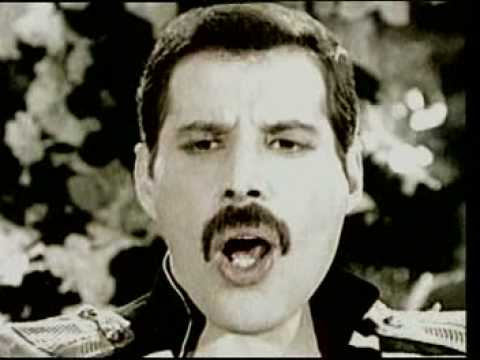 Living - Freddie Mercury - Living on my own 1993 version Visit and subscrive my channel Iscrivetevi tutti al mio canale.