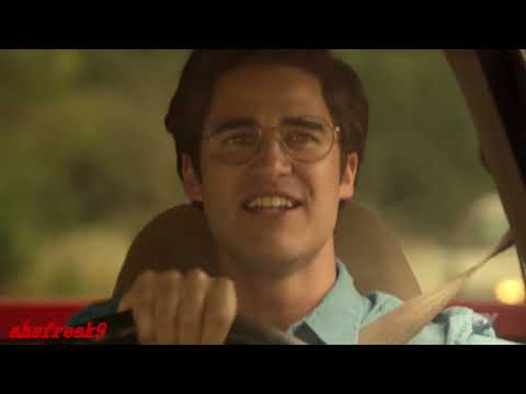 """American Crime Story, Versace 2x02- Andrew sings """"Gloria"""" in the Car (HQ)"""