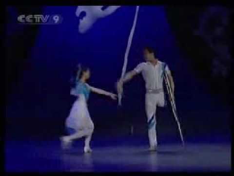 A Dança Mais Linda e Emocionante   Casal de Deficientes