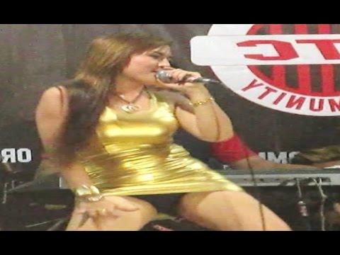Video GALA GALA - Dangdut Koplo Hot Erotis Saweran Terbaru - NIA JOVANKA Music [HD] download in MP3, 3GP, MP4, WEBM, AVI, FLV January 2017