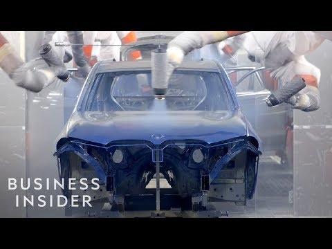 Näin syntyy BMW katumaasturi – Näyttääpä helpolta toi kasaaminen