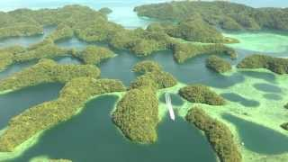 A mini documentary by Silke de Vos. All around the world nature is threatened by the onslaught of mankind. It is commendable that the state of Palau tries to ...