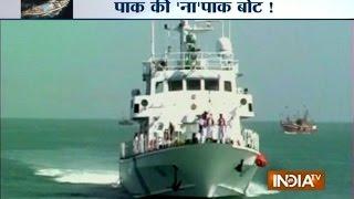 Porbandar India  city photos : Pakistani Boat Detained Off Porbandar Coast - India TV