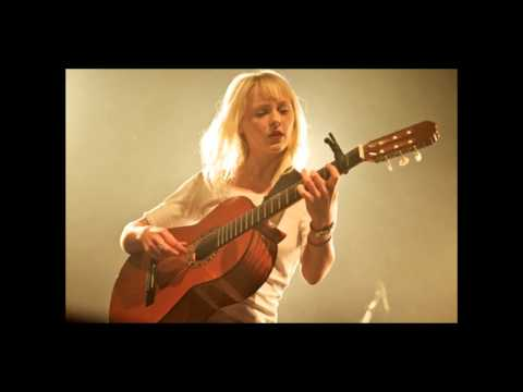 Narrow - Laura Marling performs a new song