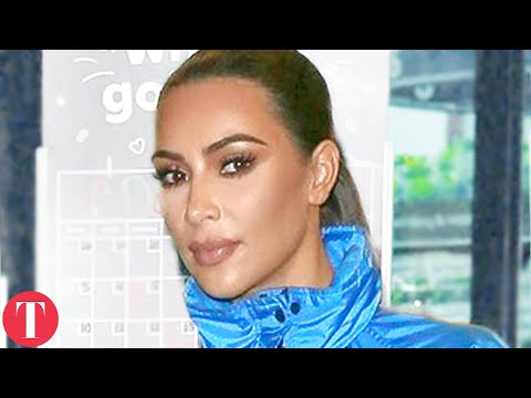 Video Kim Kardashian Reacts To Drake Threatening Her and Her Family download in MP3, 3GP, MP4, WEBM, AVI, FLV January 2017