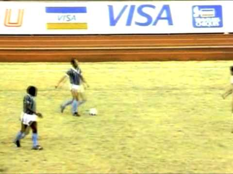 Sebfootball - Visit http://4Dfoot.com - the home of classic football *** When HSV took on Gremio in the 1983 Intercontinental Cup, the Germans might have noticed a stocky,...