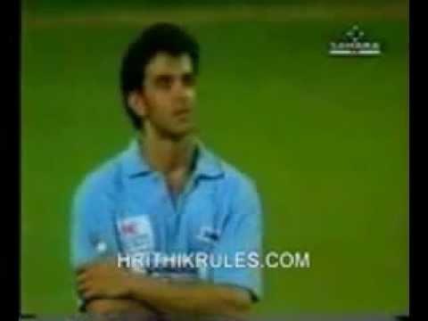 Download Hrithik ♥ Playing Cricket with Sachin Tendulkar ♥ ( A Rare Video ) HD Mp4 3GP Video and MP3