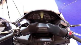 6. 2018 Suzuki Burgman 400 ABS Special Lookaround Le Moto Around The World