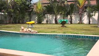 The amazing QuadH2o™ Quadcopter landing on water