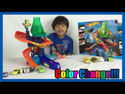 Download COLOR CHANGERS CARS Hot Wheels Color Shifters Splash Science lab kids video Ryan ToysReview HD Mp4 3GP Video and MP3
