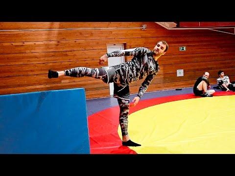 Как научиться делать вертушку Упражнения для удара ногой с разворота - DomaVideo.Ru