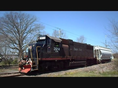 railroad - This is a video I made while on the Eastern Shore Of Virginia of a rare catch of the Eastern Shore Railroad in action. Only a couple of trains per week go do...
