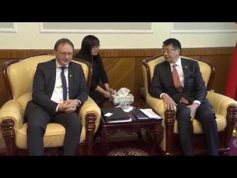 УИХ-ын гишүүн Л.Энх-Амгалан ОУХБ-ын Монгол, Хятад улсыг хариуцсан товчооны захирал Тим Дэ Мэйэртэй уулзав