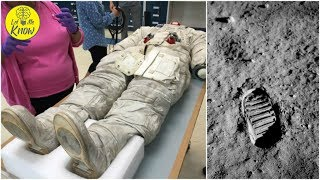 Video The Truth Behind Why The First Footprints On The Moon Don't Match Neil Armstrong's Boots MP3, 3GP, MP4, WEBM, AVI, FLV Januari 2019
