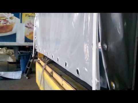 Сдвижная боковая штора на грузовом мерседесе