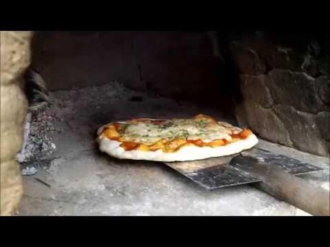 Ogrodowa Pizza z Glinianego Pieca