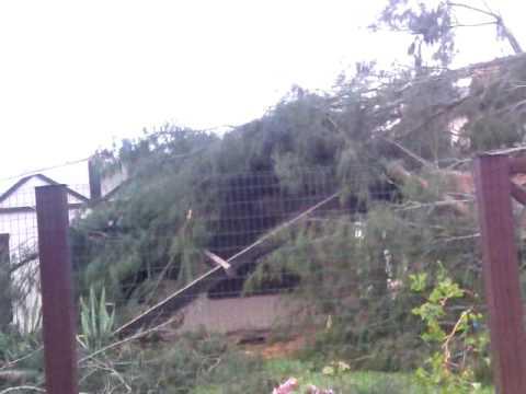 Estragos causados por temporal em Capão da Canoa - Novembro de 2009.