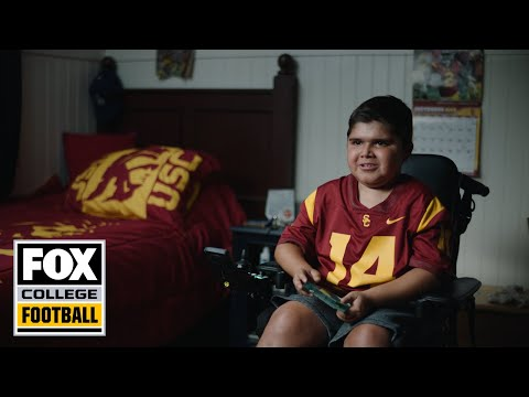 Video: 13-year-old with Duchenne Muscular Dystrophy inspires USC's football team | FOX COLLEGE FOOTBALL