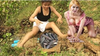Hello my beloved Subscriber and Visitor! Greeting From Cambodia! This Video want to show you about Beautiful Girl Fishing Hack-Amazing Deep Hole Fish Trap Ca...