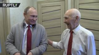 Video Putin visits his former KGB boss on his 90th birthday MP3, 3GP, MP4, WEBM, AVI, FLV Oktober 2018