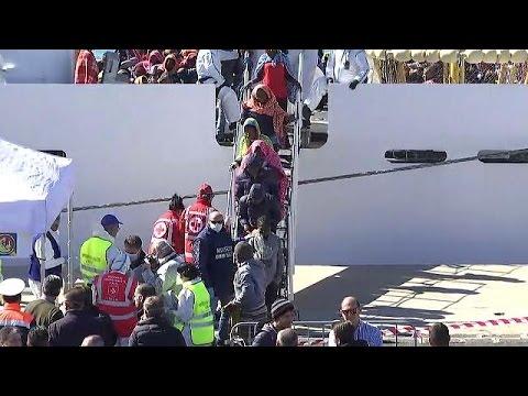 Εκατοντάδες μετανάστες διασώθηκαν από την ιταλική ακτοφυλακή