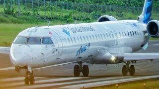 Video Keren! Pesawat Garuda Indonesia dan Sriwijaya Air di Bandara Kalimarau (Pesawat Terbang Indonesia) MP3, 3GP, MP4, WEBM, AVI, FLV Agustus 2017