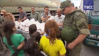 Российские военнослужащие доставили гуманитарную помощь жителям Алеппо