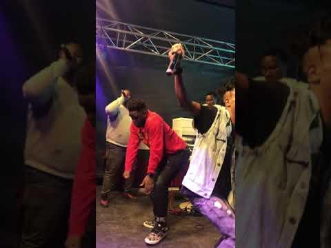 Zakwe ft Musiholiq and Cassper Nyovest - Sebentin