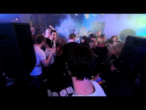 Superfint - DJ Defa blasting tunes including the megahit