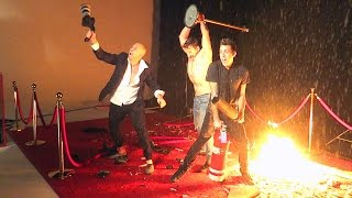 Nonton DESTROYED THE RED CARPET!! Film Subtitle Indonesia Streaming Movie Download