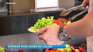 Donos de restaurante apostam em comidas leves no calor