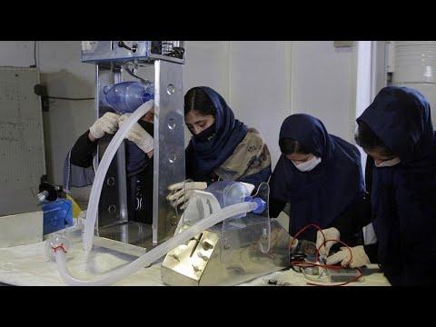 Στη μάχη κατά της πανδημίας μοναχές και κορίτσια της ρομποτικής…