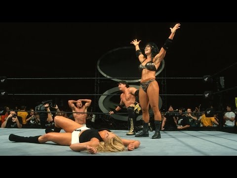 Chyna & Eddie Guerrero vs. Trish Stratus & Val Venis – Intercontinental Titel Match: SummerSlam 2000
