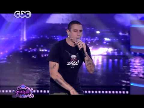 """أحمد الفيشاوي يغني أحدث أغنياته """"الراب"""" قبل طرحها في 2016"""