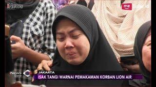 Video Isak Tangis Warnai Pemakaman Deny Maulana, Instruktur Pramugari Lion Air - iNews Sore 09/11 MP3, 3GP, MP4, WEBM, AVI, FLV November 2018