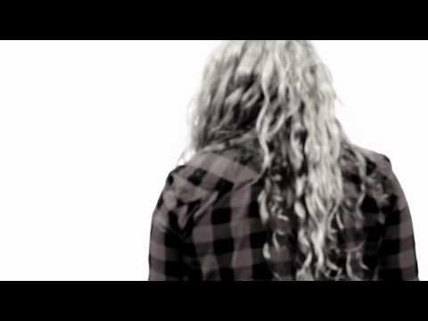 Larah Fémina lanza el videoclip del tema «Puta»