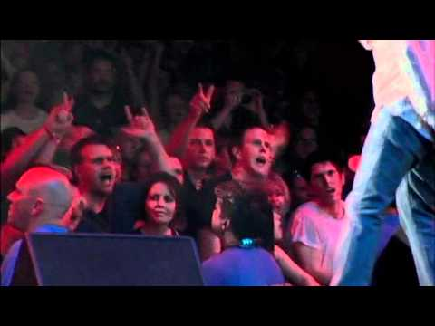 Video 3 Doors Down - Kryptonite - Live from Houston download in MP3, 3GP, MP4, WEBM, AVI, FLV January 2017