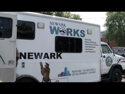 Jobsmobile works to employ Newark residents