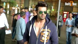 Manish Paul Return From Iifa Awards 2017.Click NOW  For the spiciest gossip updates :-http://goo.gl/vHrhfIts For Free !!!!