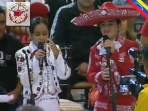 Niños rinden hermoso homenaje de despedida al Comandante Chávez
