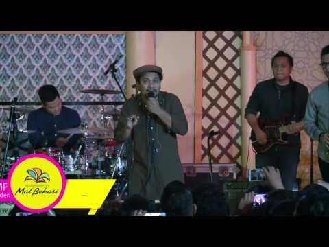 Tompi Live Performance at #BlissfulRamadhan