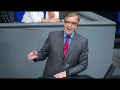 Linken-Fraktionschef Dietmar Bartsch empört über Ma ...