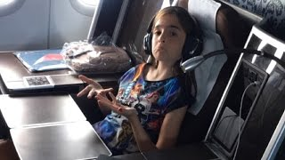 Video THE BEST AIRPLANE SEAT IN THE WORLD! MP3, 3GP, MP4, WEBM, AVI, FLV Oktober 2017