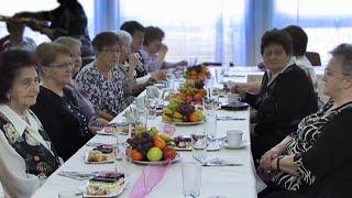 Slavnostní vánoční večeře v Domově pro seniory