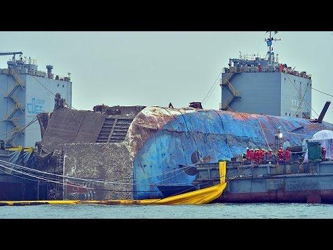 Αναδύεται το ναυάγιο του Sewol τρία χρόνια μετά τη ναυτική τραγωδία
