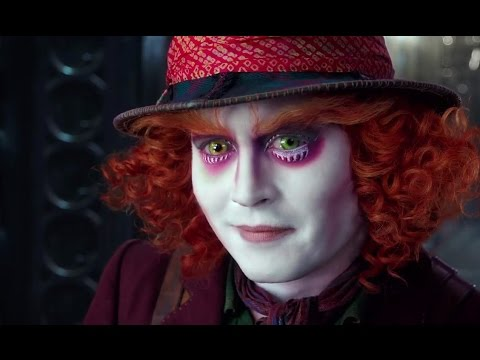 Alice Through the Looking Glass (Featurette 'Alice Has Become a Boss')