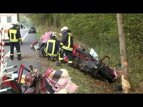 Schwerer Verkehrsunfall, zwei Tote